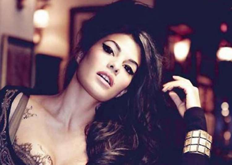 jacqueline fernandez the face of india bridal fashion week 2013- India Tv