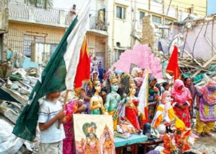 century old rama pir temple demolished in karachi hindus protest- India Tv