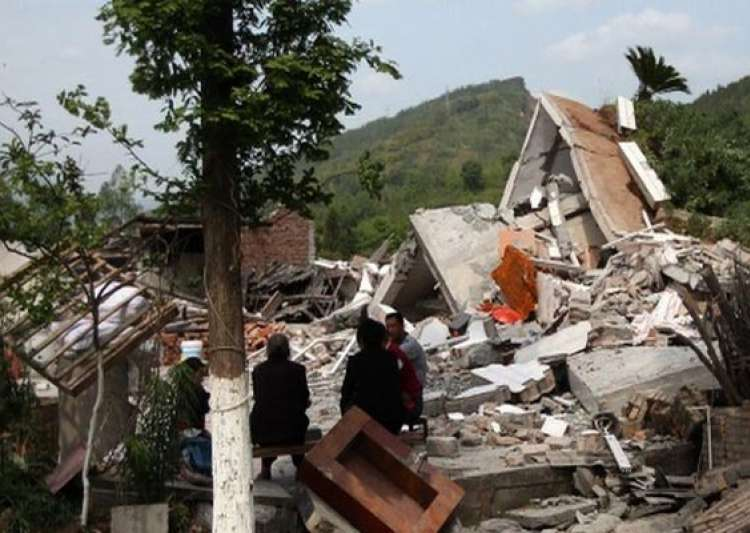 death toll in china quake rises to 195 10 500 injured- India Tv