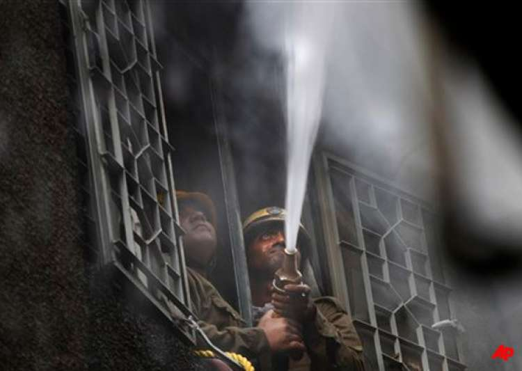 garments factory gutted in east delhi fire