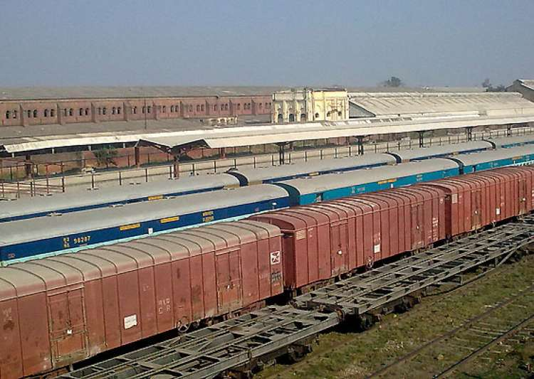 gorakhpur gets world s longest railway platform- India Tv
