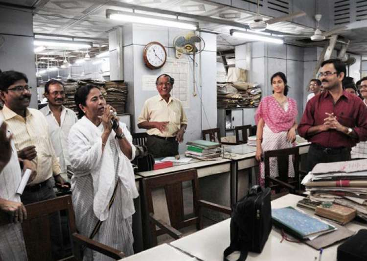 mamata didi gives govt staff a 10 day puja holiday- India Tv