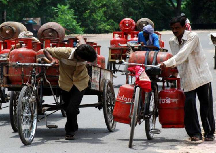 now surrender extra lpg connections online- India Tv