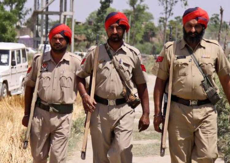 punjab police officer suspended for misusing personnel- India Tv