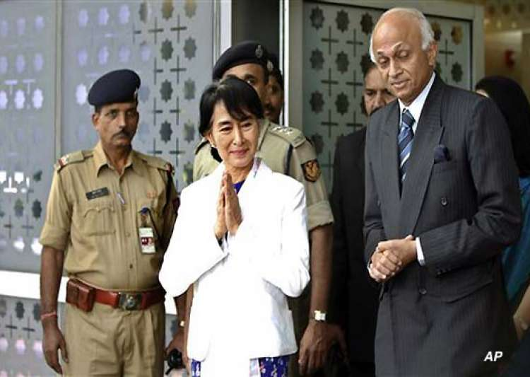 suu kyi arrives in india on nostalgic visit- India Tv