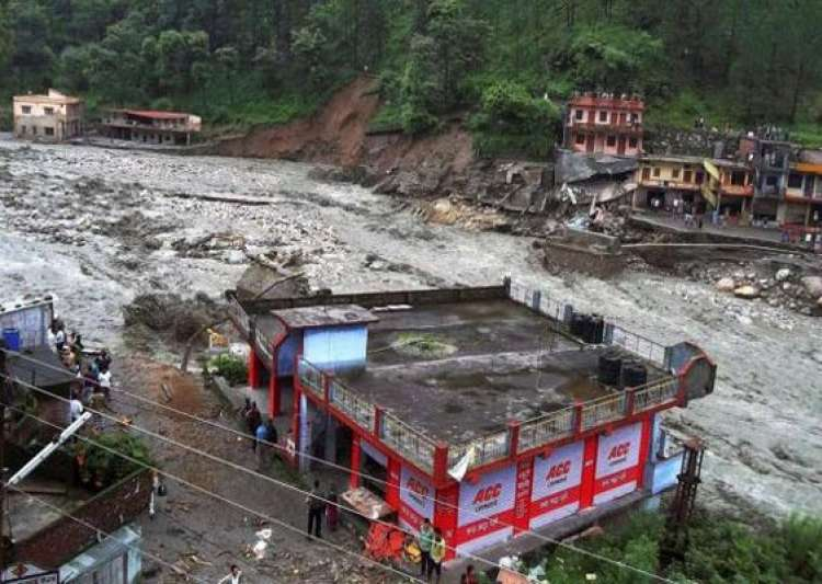 the uttarakhand floods Read more about combination of many factors led to uttarakhand floods on business standard the cloud burst is certainly not the reason behind the deluge, an expert committee says in its 64-page report.