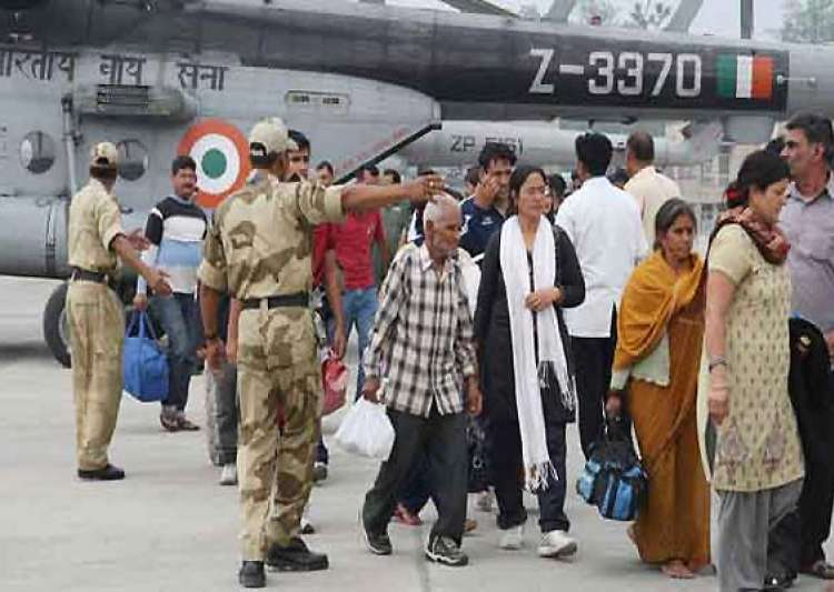 uttarakhand 134 stranded tourists flown to gujarat by chartered flight
