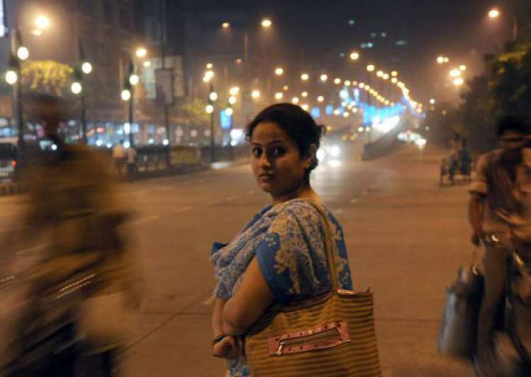 essay on safety of women in mumbai Why do women feel safer in mumbai compared to delhi update in public spaces in delhithe domino effect applies here as wellmore womenmore safetymore.