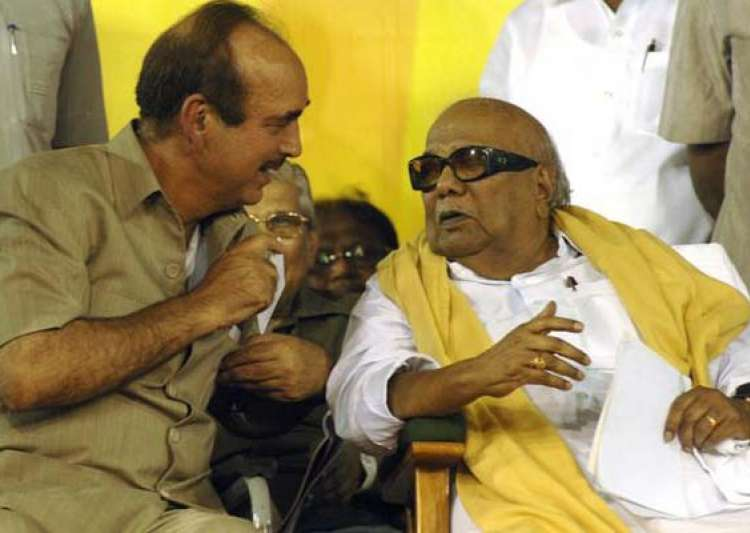congress fails to persuade dmk on fdi issue- India Tv