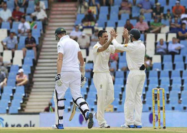 south africa 132/5 at tea trail by 349 vs australia 1st test