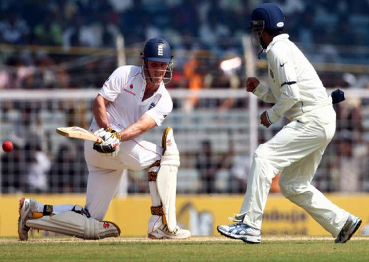 england lead by 85 runs at tea- India Tv