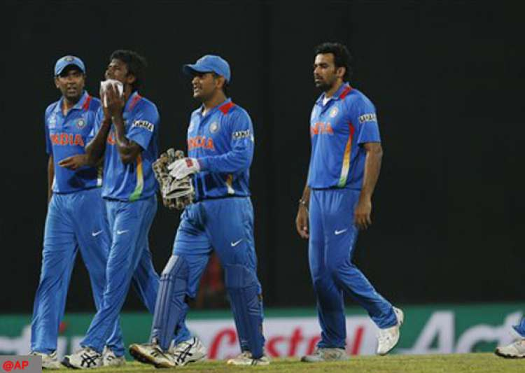 indian media lashes out at dhoni for world cup exit