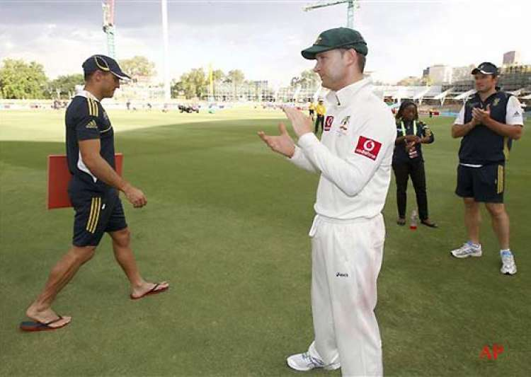 michael clarke is again world s no. 1 test batsman- India Tv