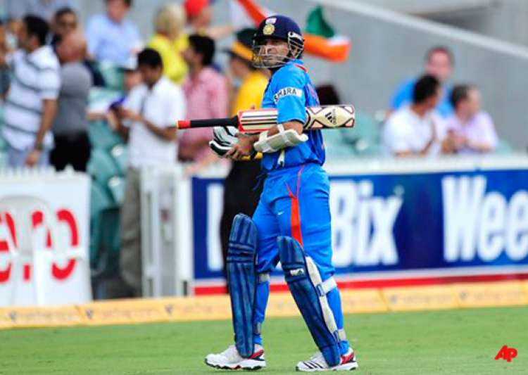 selectors fear telling sachin tendulkar to retire from odis says jones- India Tv