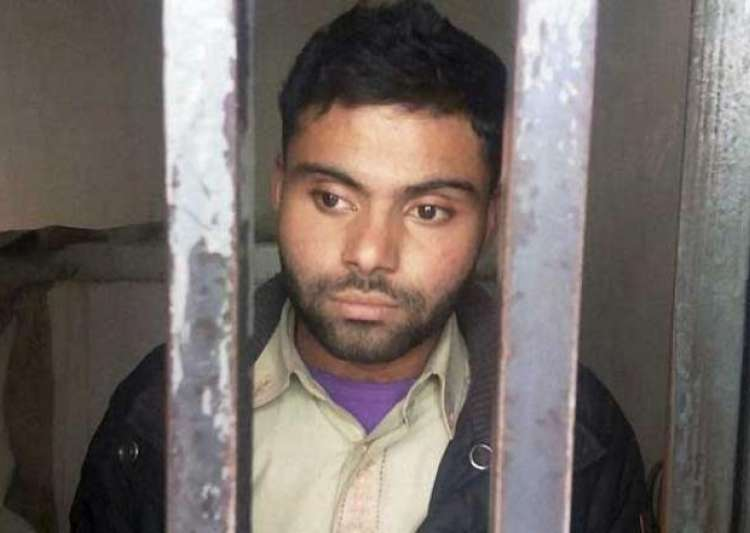 virat kohli s pakistani fan gets bail in indian flag- India Tv