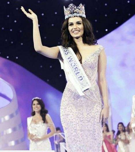 stunning instagram pictures of manushi chhillar miss world 2017 that you shouldn 39 t miss. Black Bedroom Furniture Sets. Home Design Ideas