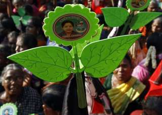 Blow to Sasikala faction of AIADMK, EC allots...