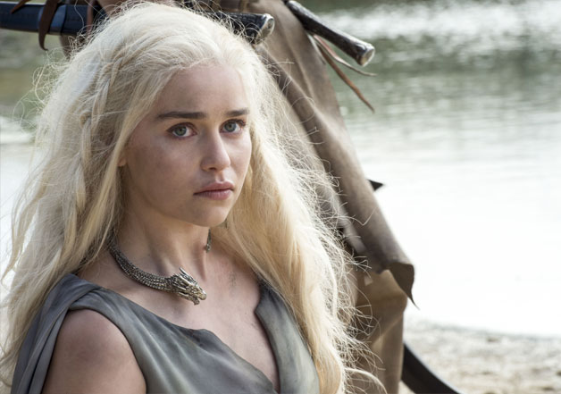 game of thrones mother of dragons goes nude again to prove who s game of thrones