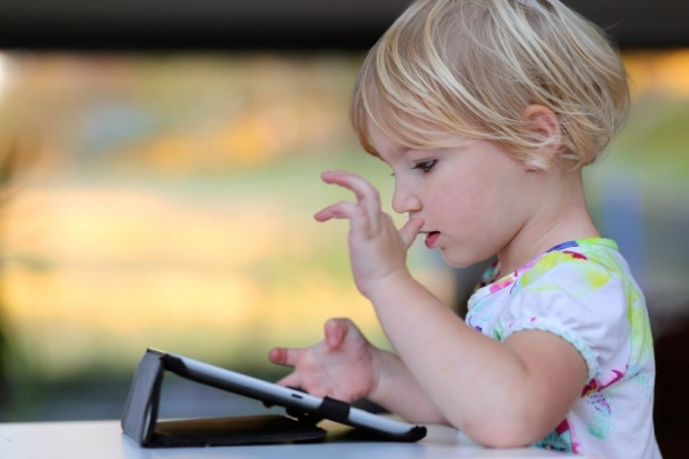 Touchscreens may help toddlers develop better motor skills