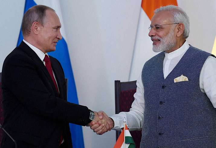 PM Narendra Modi and Vladimir Putin at the agreement