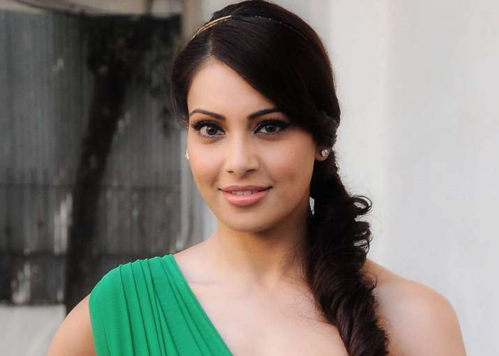 Bipasha Basu finds it difficult to shoot for TV shows.