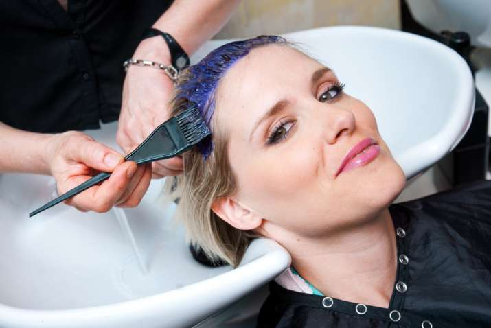 7 smart ways to hide your grey hair instantly