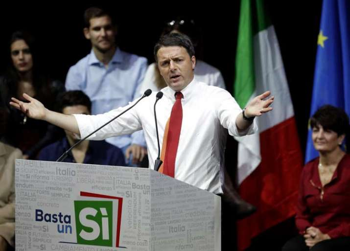 Renzi during a demonstration to support vote yes in