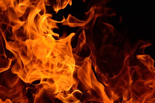 Man stabs father to death, sets gas cylinder afire injuring
