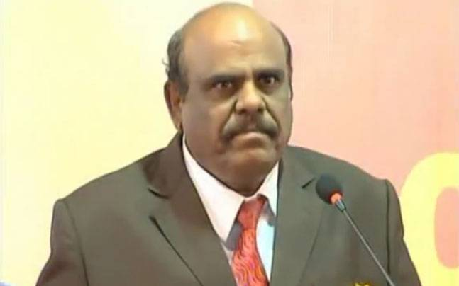 100 cops at Justice Karnan's doorsteps to serve