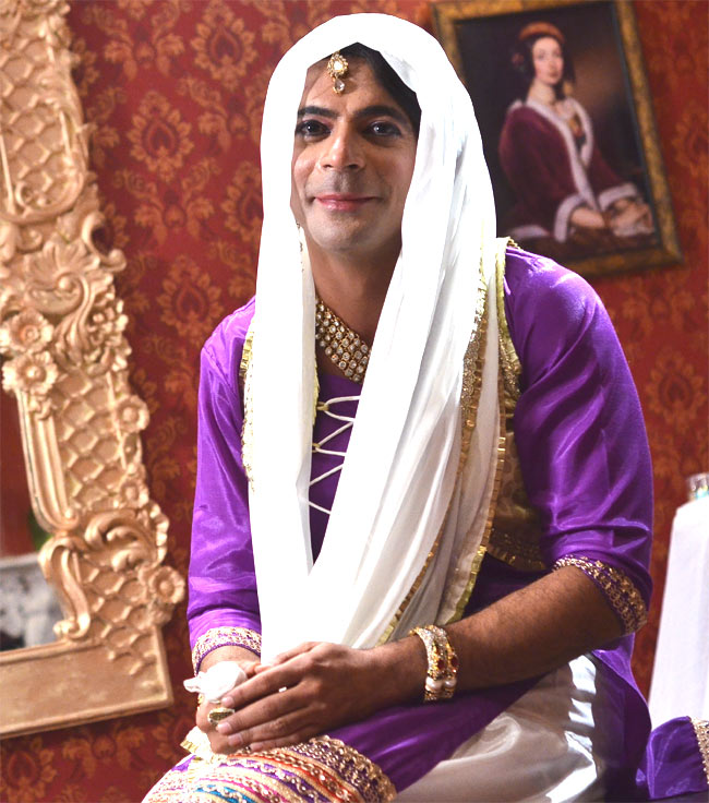 India Tv - Sunil Grover says he is watching the 'TAMASHA', it's entertaining