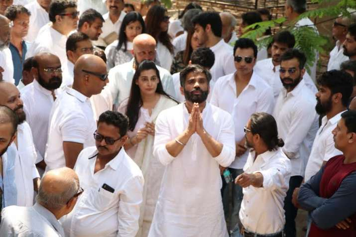 India Tv - Suniel Shetty's father Veerapa Shetty's funeral
