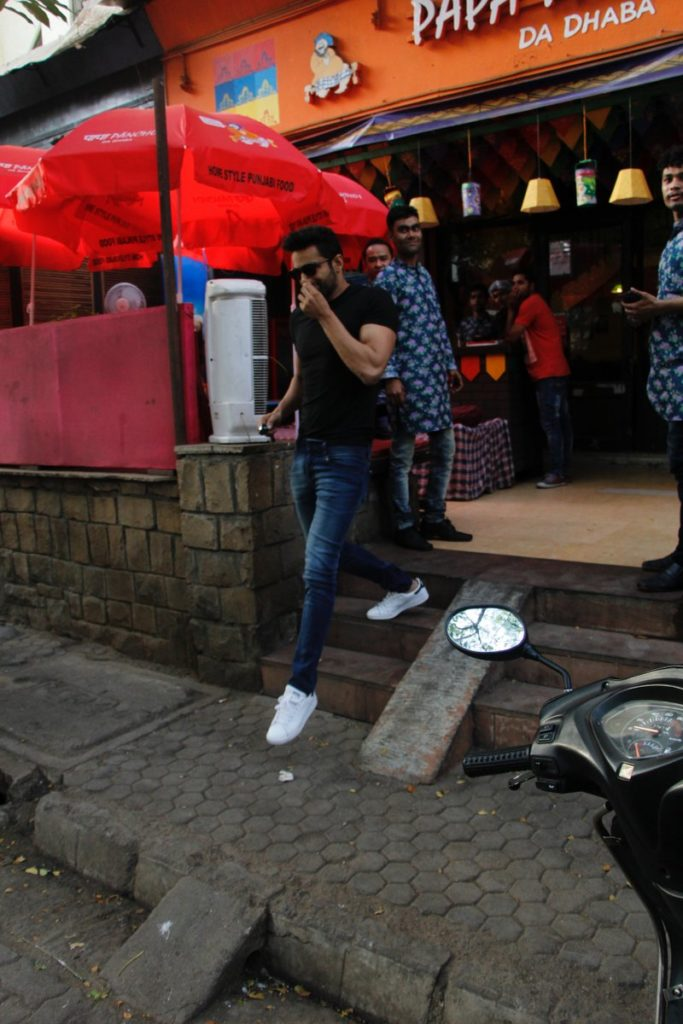 India Tv - Upen Patel had a strange grin on his face while walking out of the restaurant