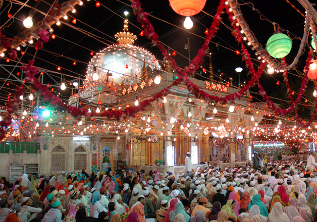 The deewan of the Sufi shrine had asked Muslims to stay
