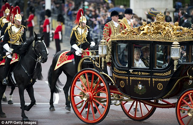 Donald Trump wants gold-plated carriage ride with Queen