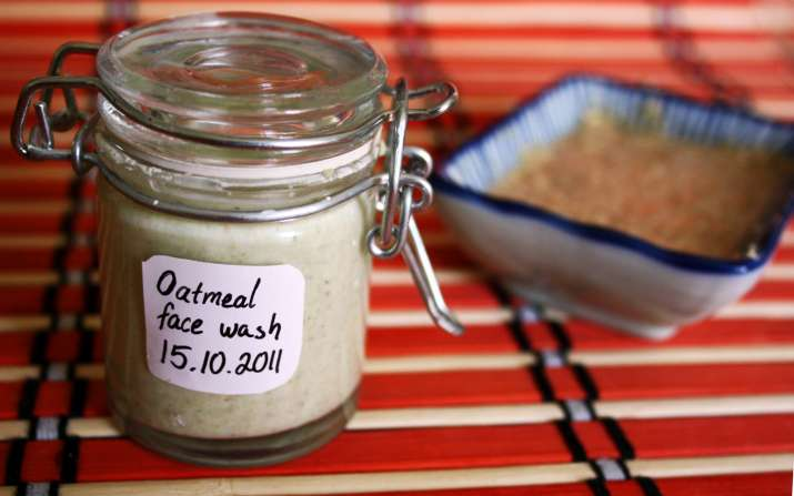 India Tv - 3 simple ways you can use oats for beautiful skin & hair