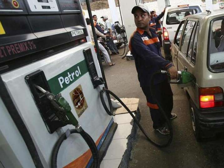 Petrol pump dealers defer protest against daily price