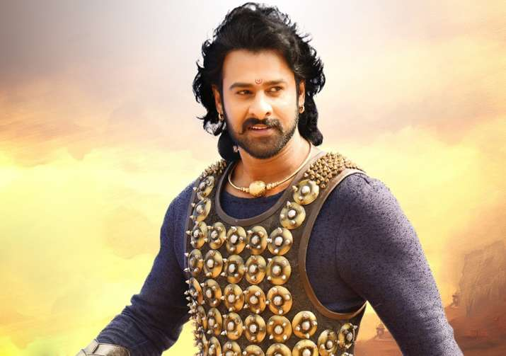 This is how fans reacted when Prabhas reached Mumbai to