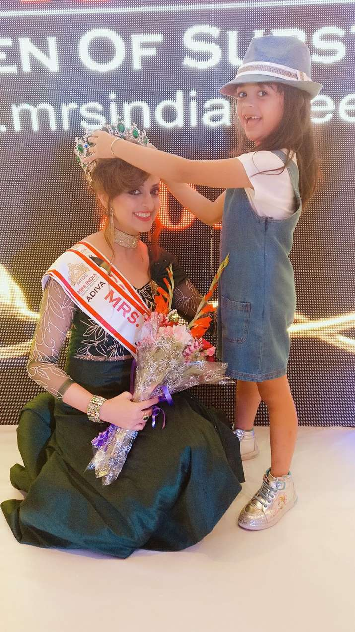 India Tv - Rashmi Uppal bags 2nd runner up in Mrs India Queen of Substance 2017 contest