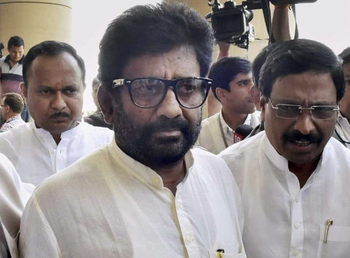 Shiv Sena MP Ravindra Gaikwad changed his stand in Lok