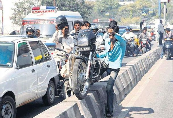Proposed Motor Bill: Rs 10,000 fine for drunk driving