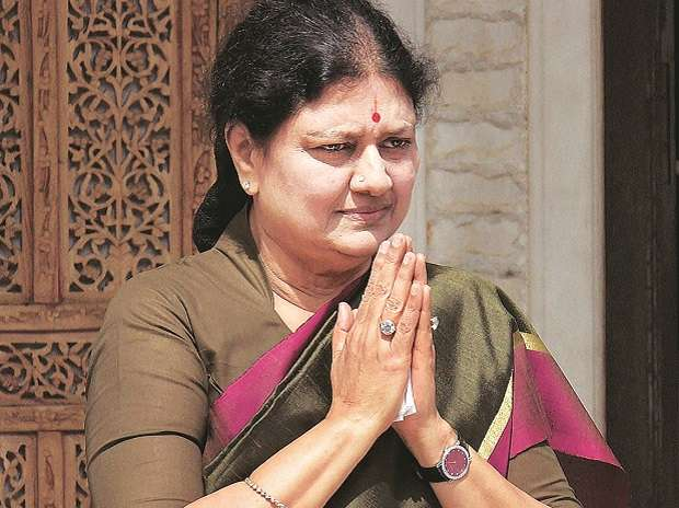 In clear defiance of rules, Sasikala met 28 people in a