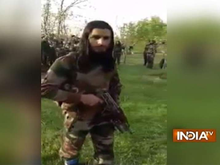 New video of 30 armed militants in Kashmir does rounds on