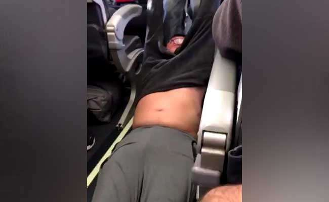Passenger dragged on United Airlines flight