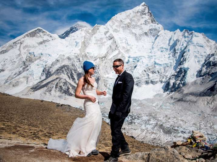 India Tv - Thrill-seeking couple gets married at the top of Mt. Everest!