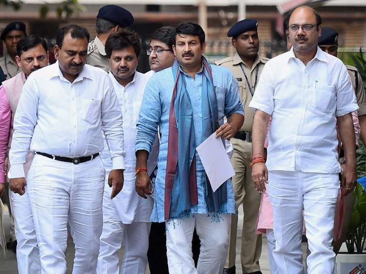 Manoj Tiwari leads the BJP delegation after lodging a