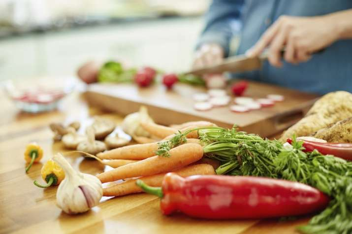 Eating fruits, vegetables daily may lower risk of artery