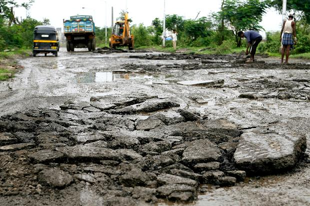 CM Yogi's 40-day plan to rid UP roads of potholes to cost