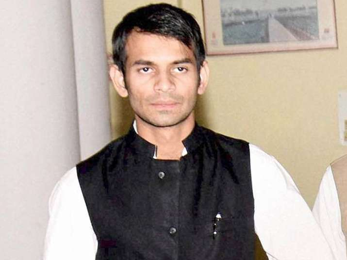 Lalu's son Tej Pratap illegally got petrol pump, claims