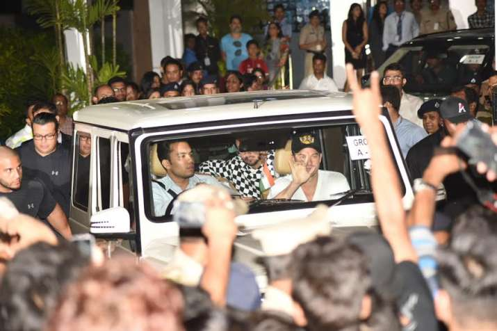 India Tv - Justin Bieber welcomed by fans