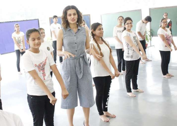 Taapsee Pannu revisits her school in Delhi, see pics